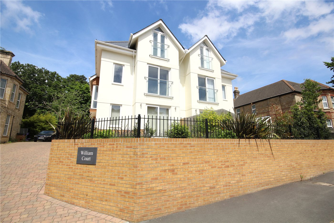 3 Bedrooms Town House for sale in Sandringham Road, Lower Parkstone, Poole, Dorset, BH14