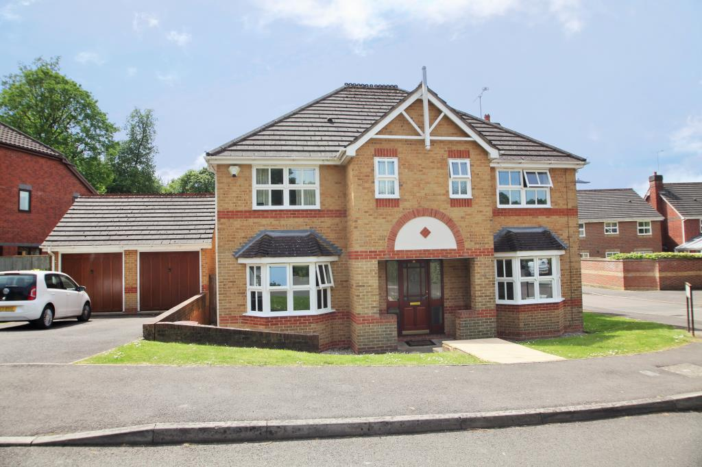 5 Bedrooms Detached House for rent in Glenrhondda, Emmer Green, Reading, Berkshire, RG4