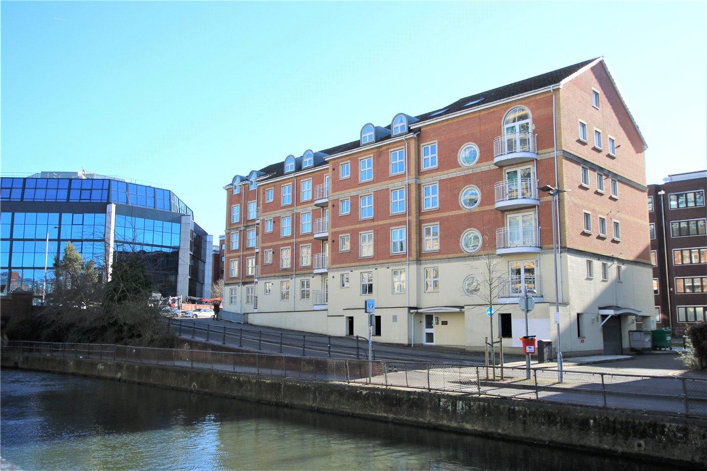 3 Bedrooms Flat for sale in Grantley Heights, Kennet Side, Reading, Berkshire, RG1