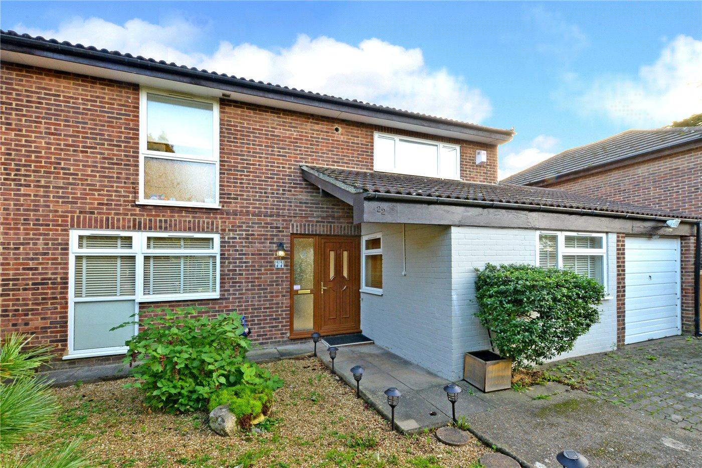 4 Bedrooms Detached House for sale in Drumaline Ridge, Worcester Park, KT4