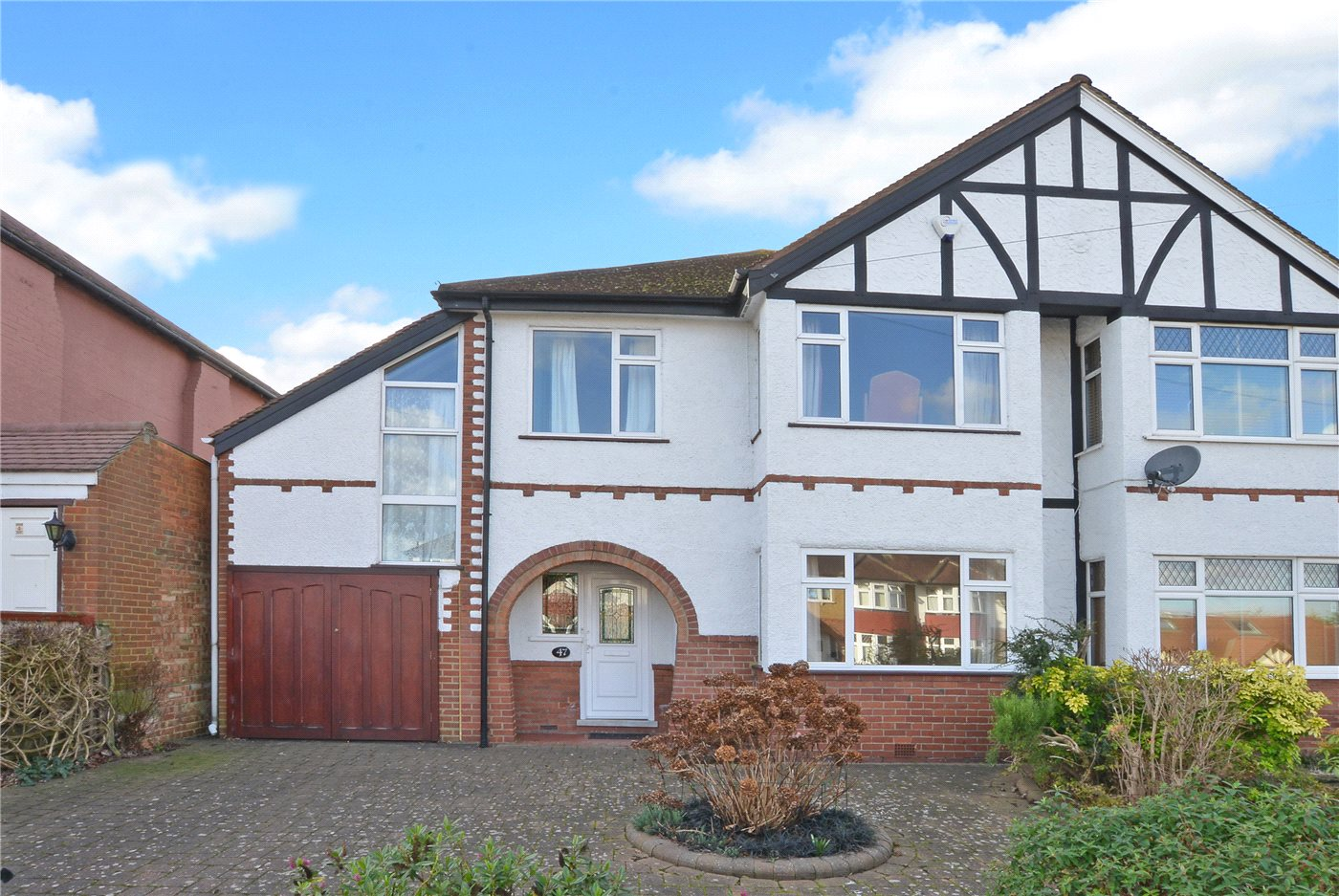 4 Bedrooms Semi Detached House for sale in St. Clair Drive, Worcester Park, KT4
