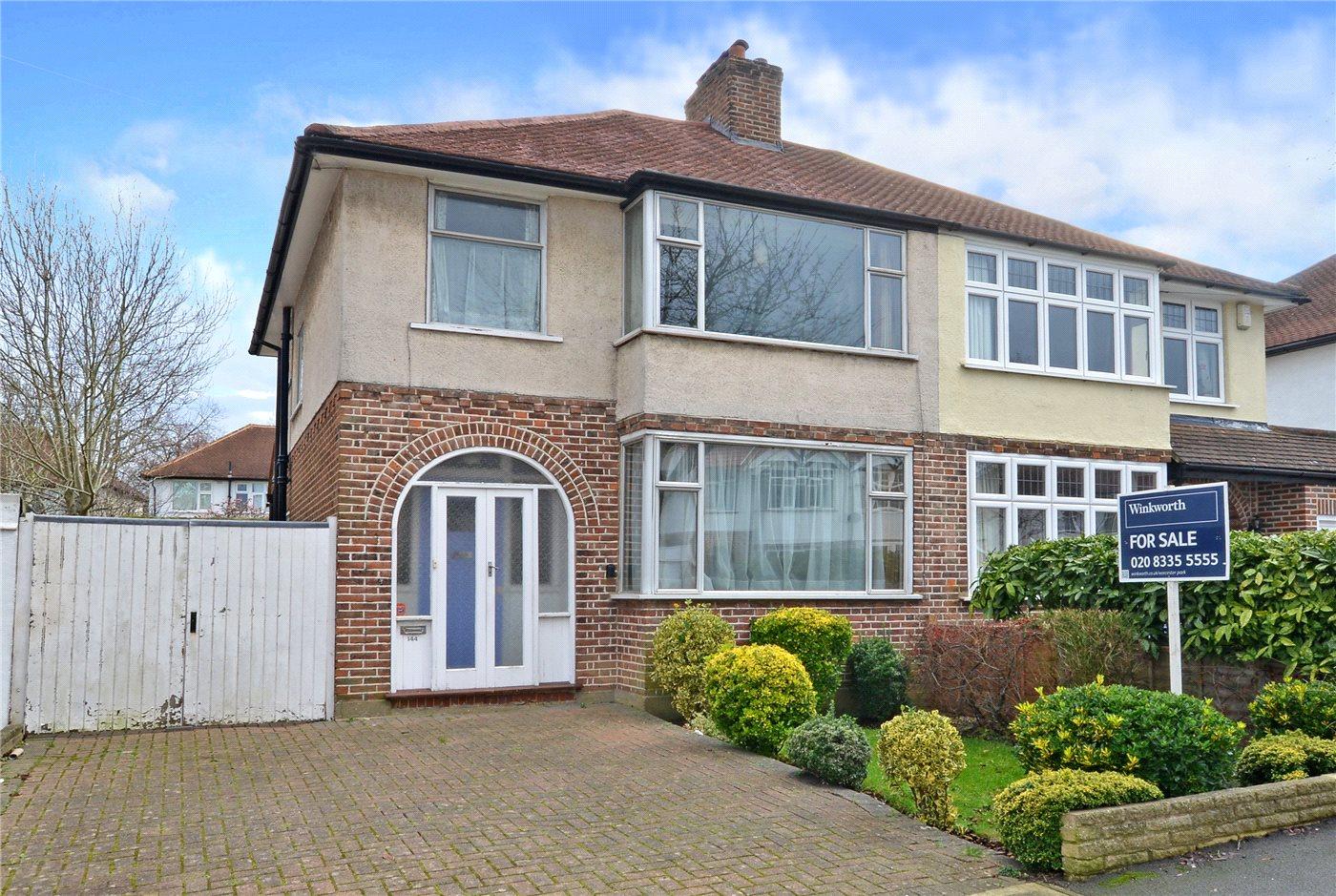 3 Bedrooms Semi Detached House for sale in Brockenhurst Avenue, Worcester Park, KT4