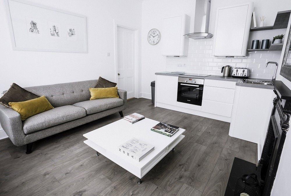Lounge / Kitchen Alt