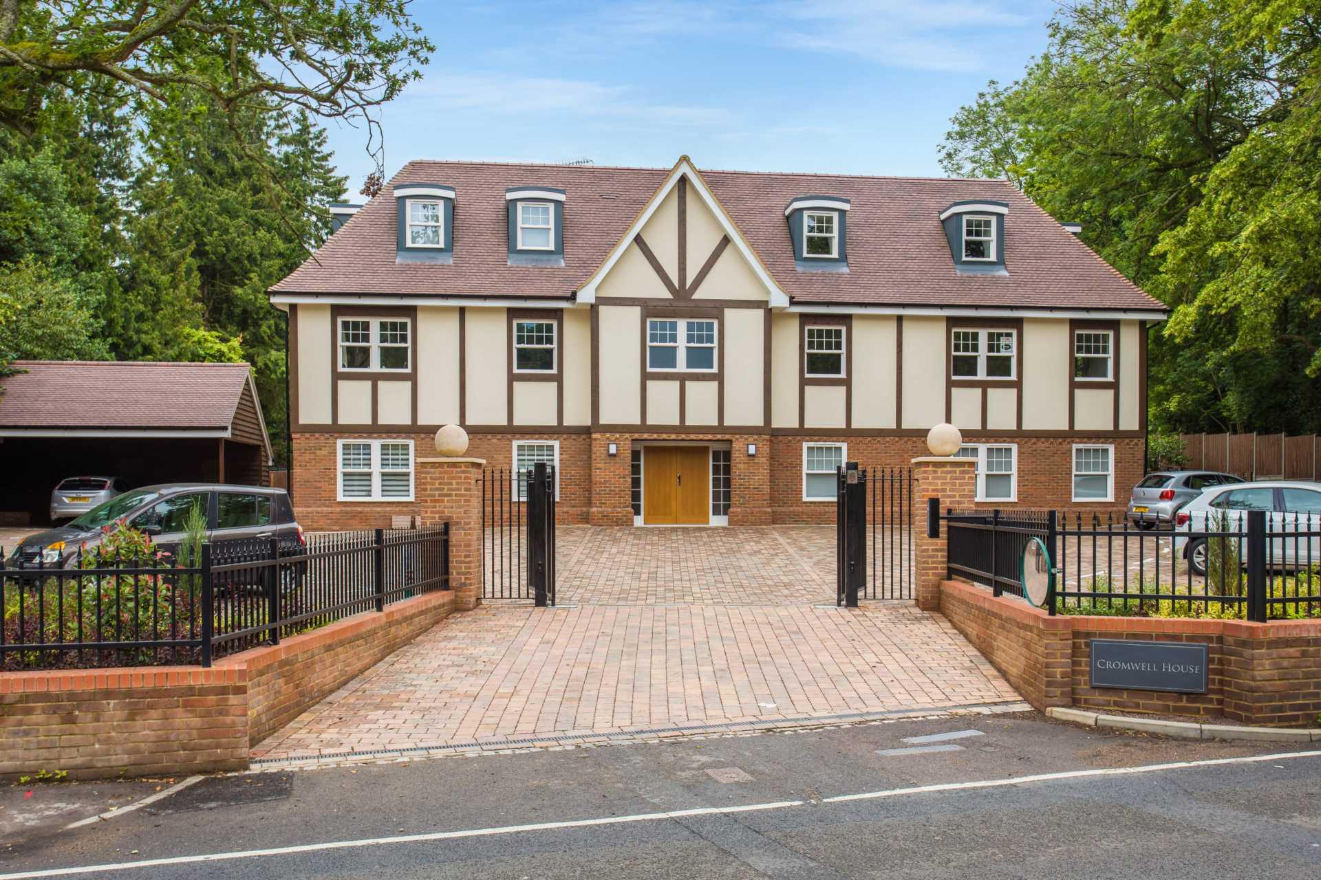 Cromwell House Image