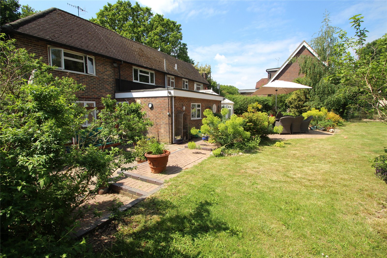 Little Browns Lane, Edenbridge - £800,000