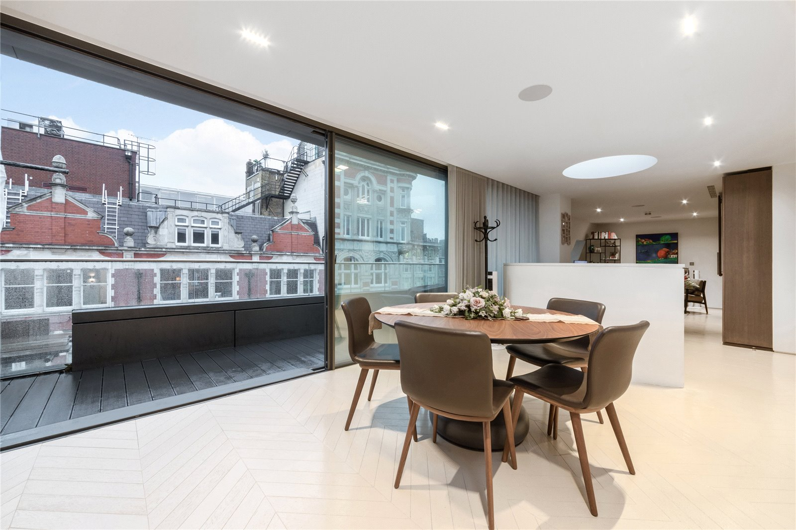 The Artisan Penthouse, Fitzrovia, W1T