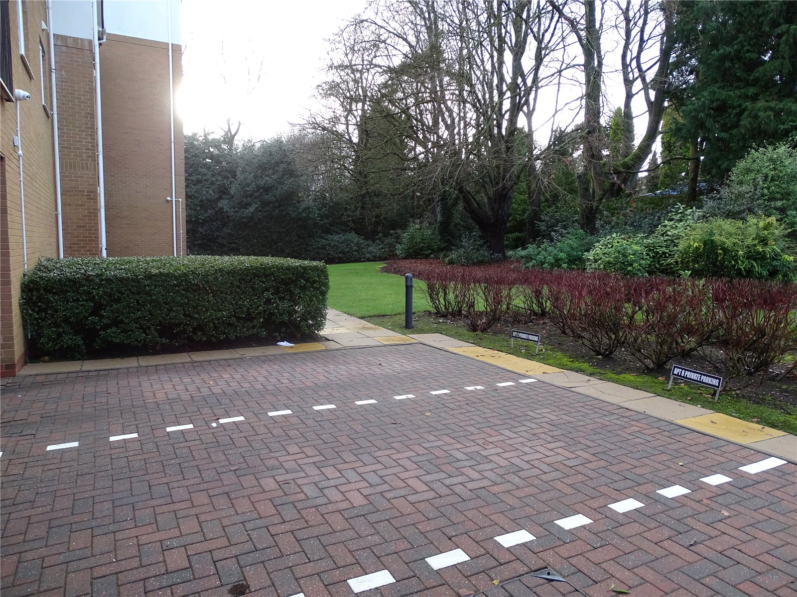 Parking/Grounds