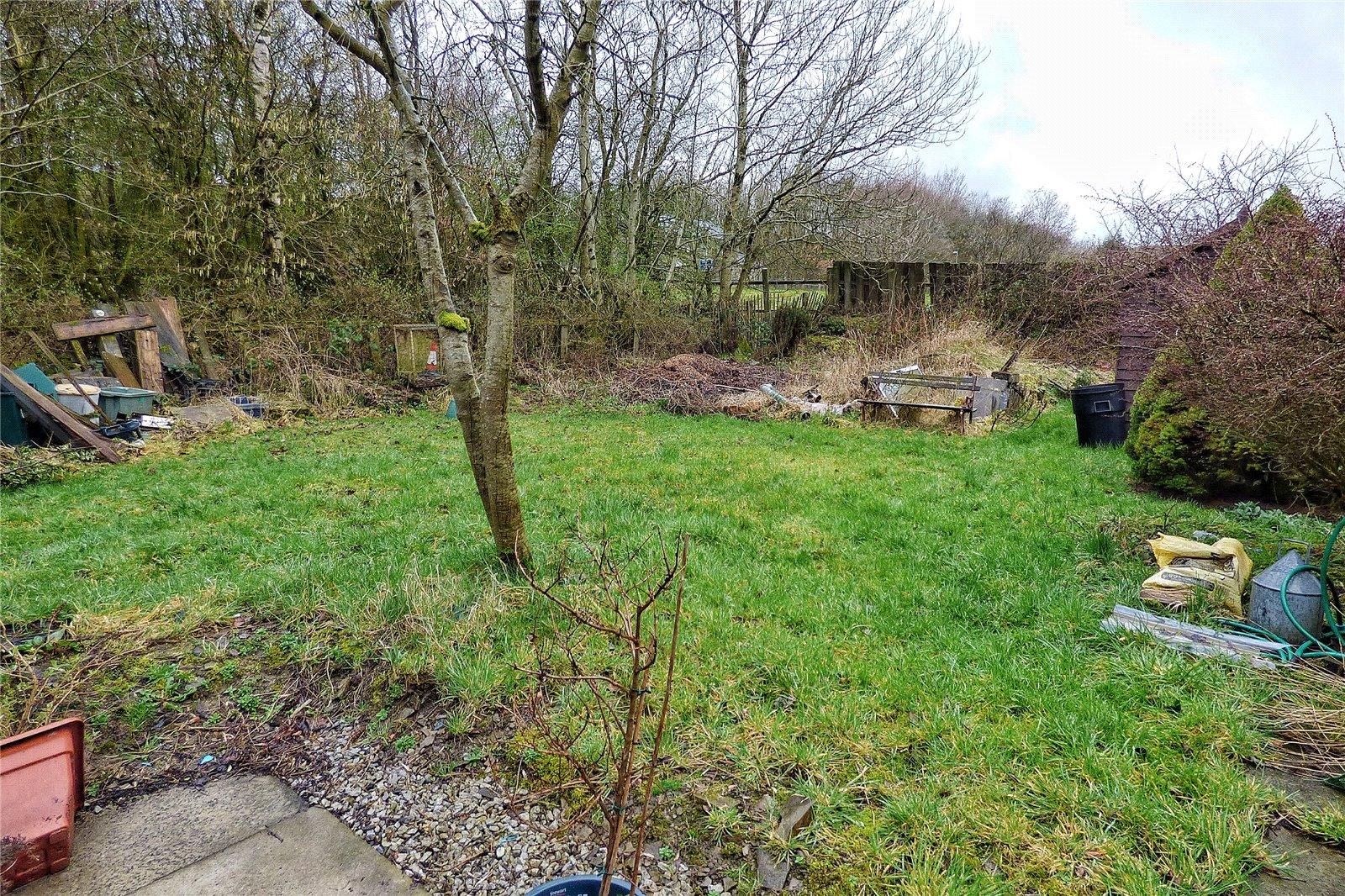 Side Garden - Rented