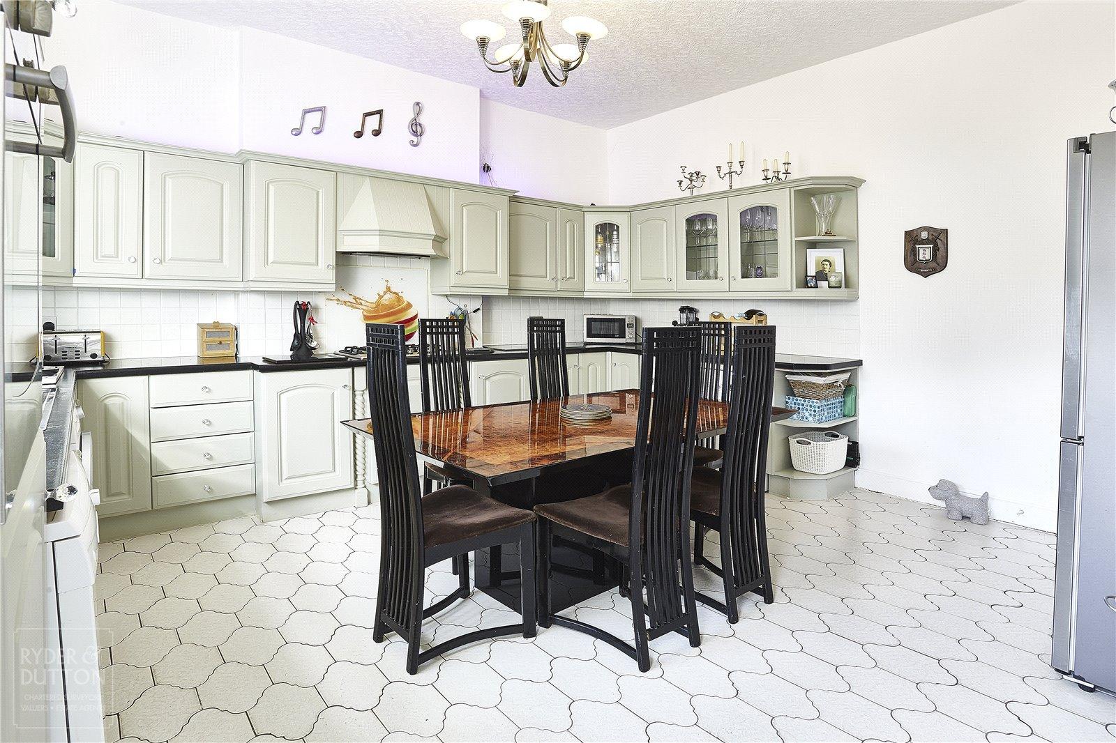 Kitchen-Diner: